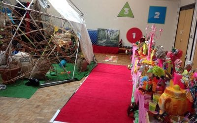 Children enjoy multi-sensory art project
